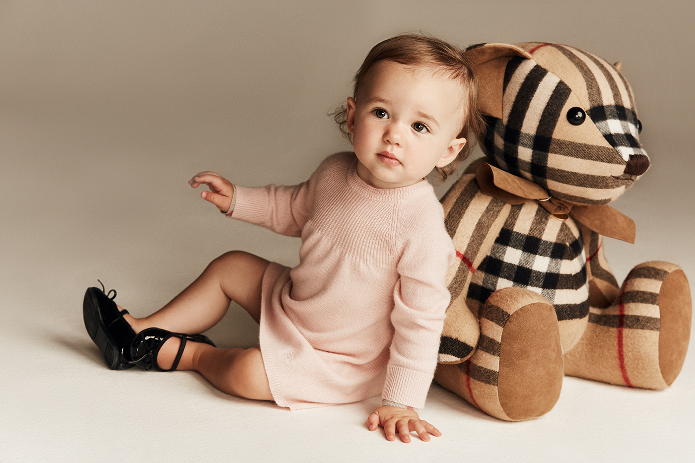 Vika Pobeda - Baby Photography Burberry Kids